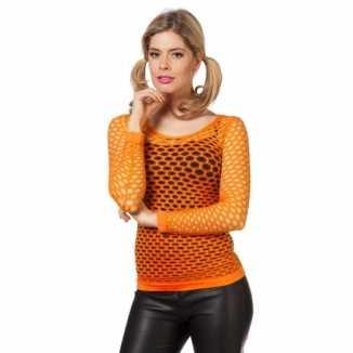 Oranje t-shirt gaatjes