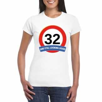 Verkeersbord 32 jaar t shirt wit dames
