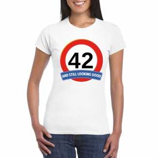 Verkeersbord 42 jaar t shirt wit dames